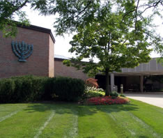 Temple-Israel-entrance